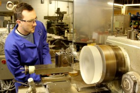 Employee Manufacturing A Double Bevelled Viewport